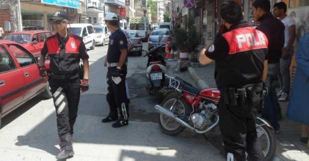edremitte_polis_motosikletlere_goz_actirmiyor_h124999