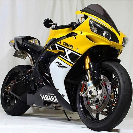 1000rr motorcycle
