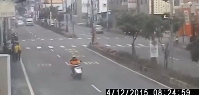 kazaya karışan motosikletli