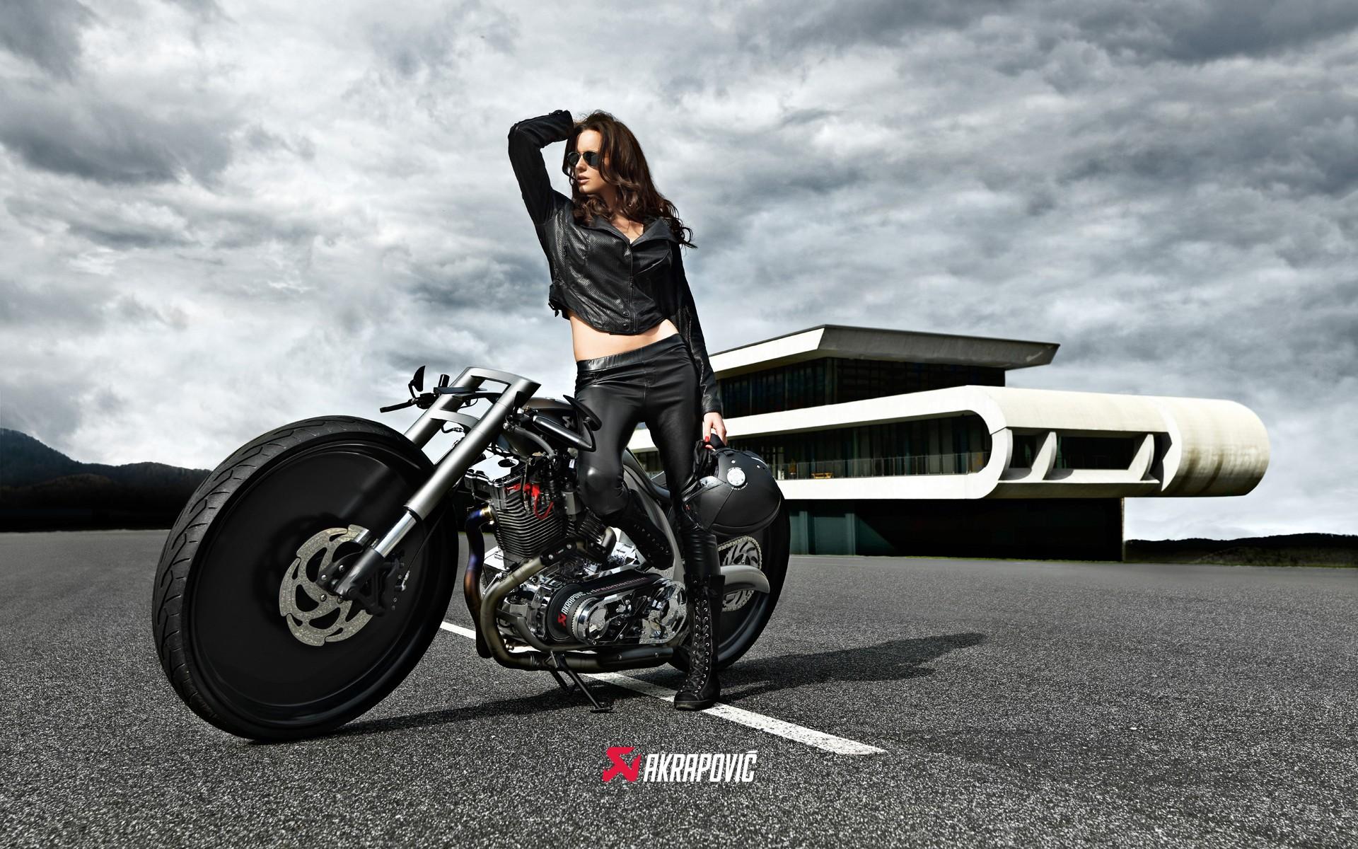 motosikletli kız