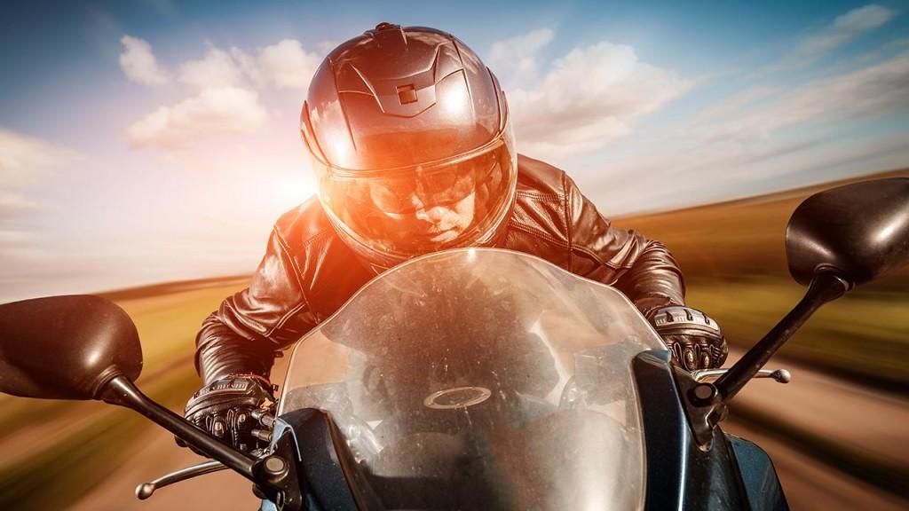 motosiklette bakış