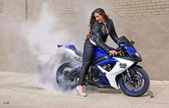 motorcu kadın