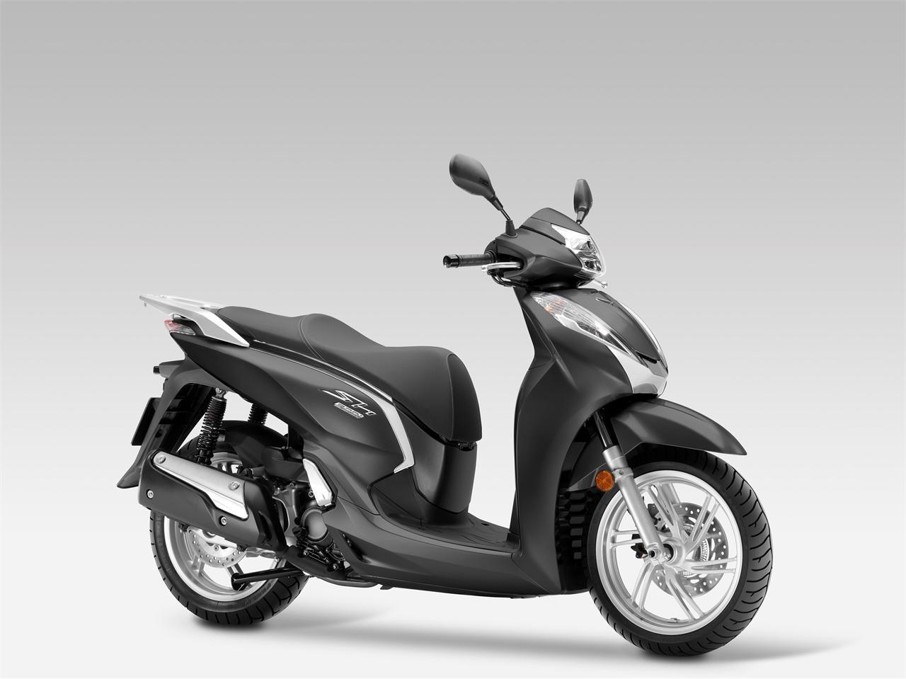 Honda SH300i yan