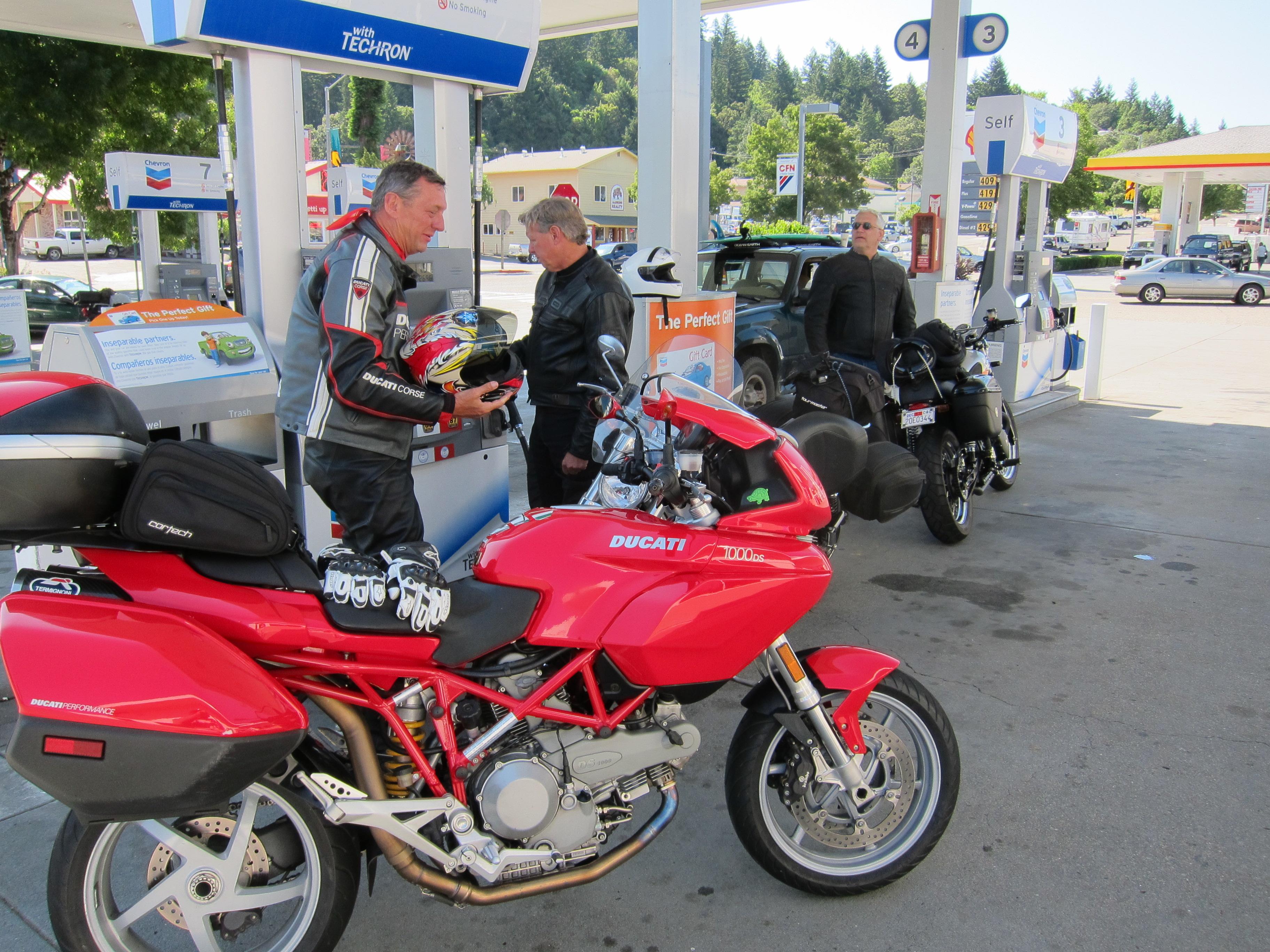 daha az benzin