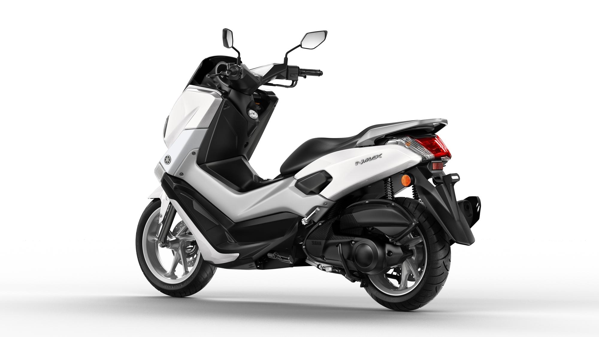 2015 Yamaha G125YM EU Milky White Studio 005 - Yamaha NMAX