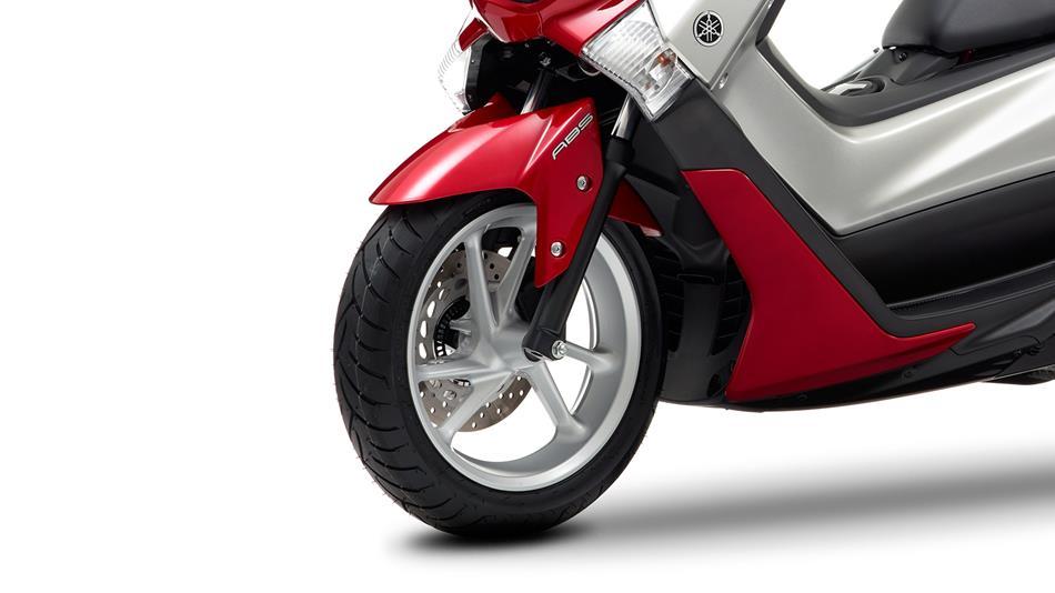2015 Yamaha G125YM EU Power Red Detail 007 - Yamaha NMAX