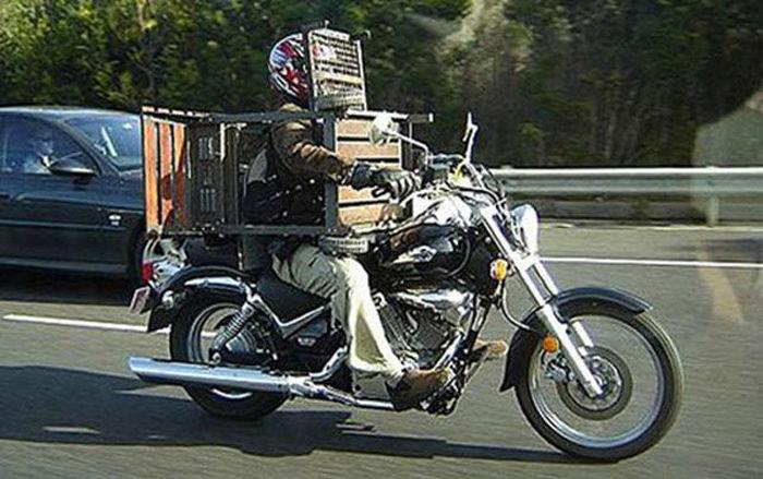 motosiklette kafes taşımak