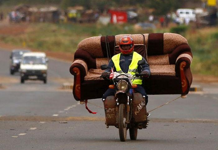 motosiklette 3 kişilik koltuk taşımak