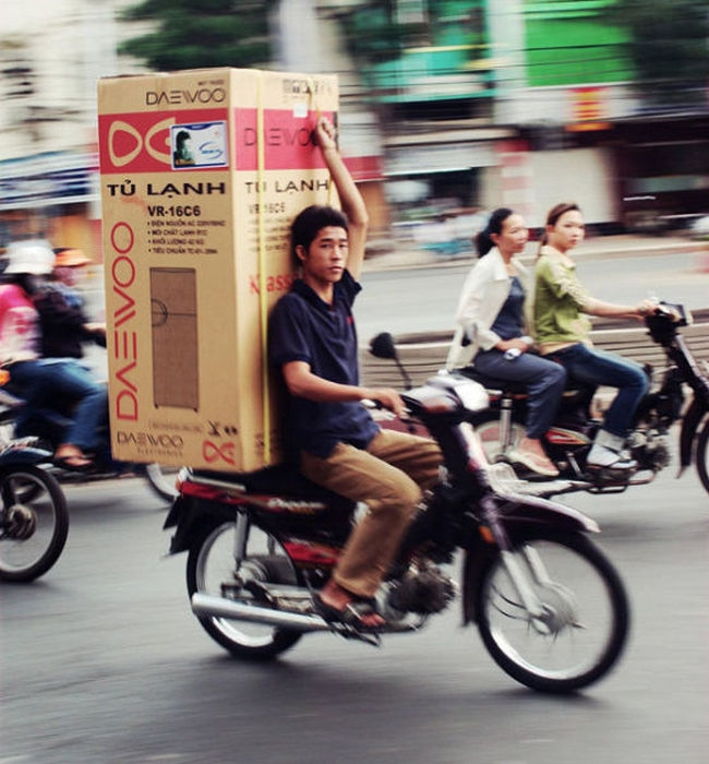 motosiklette dolap taşımak