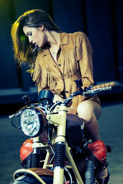 motosikletli kızlar (1)