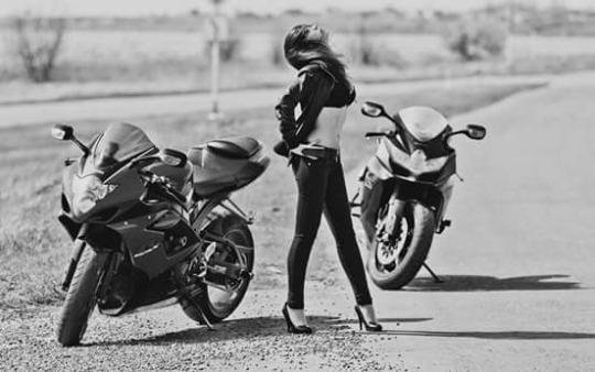 motosikletli kızlar (12)