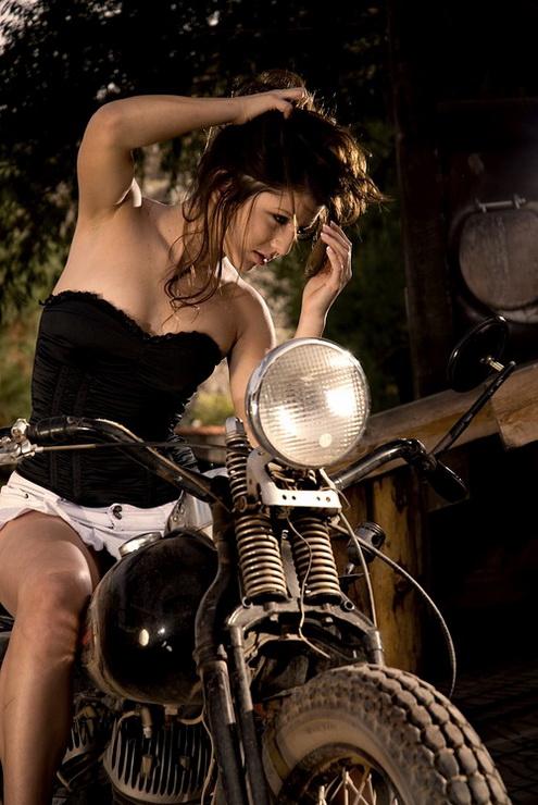 motosikletli kızlar (13)