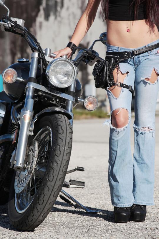 motorcu kızlar