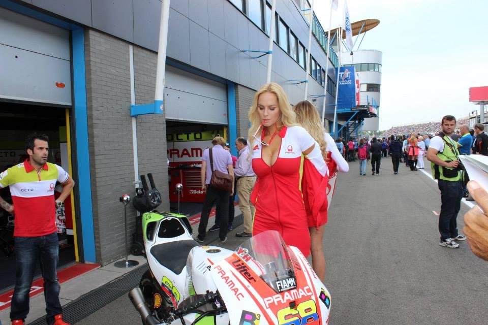 pramac racing girls (1)