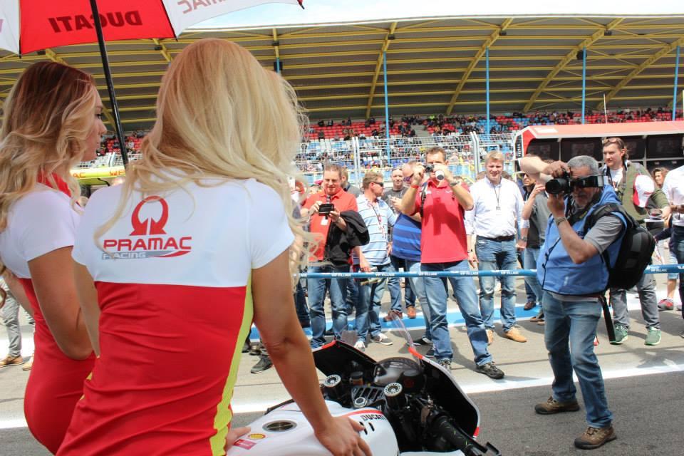 pramac racing girls (12)