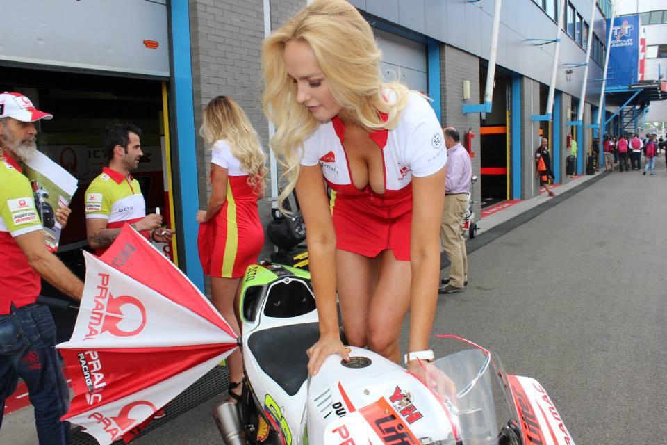 pramac racing girls (23)
