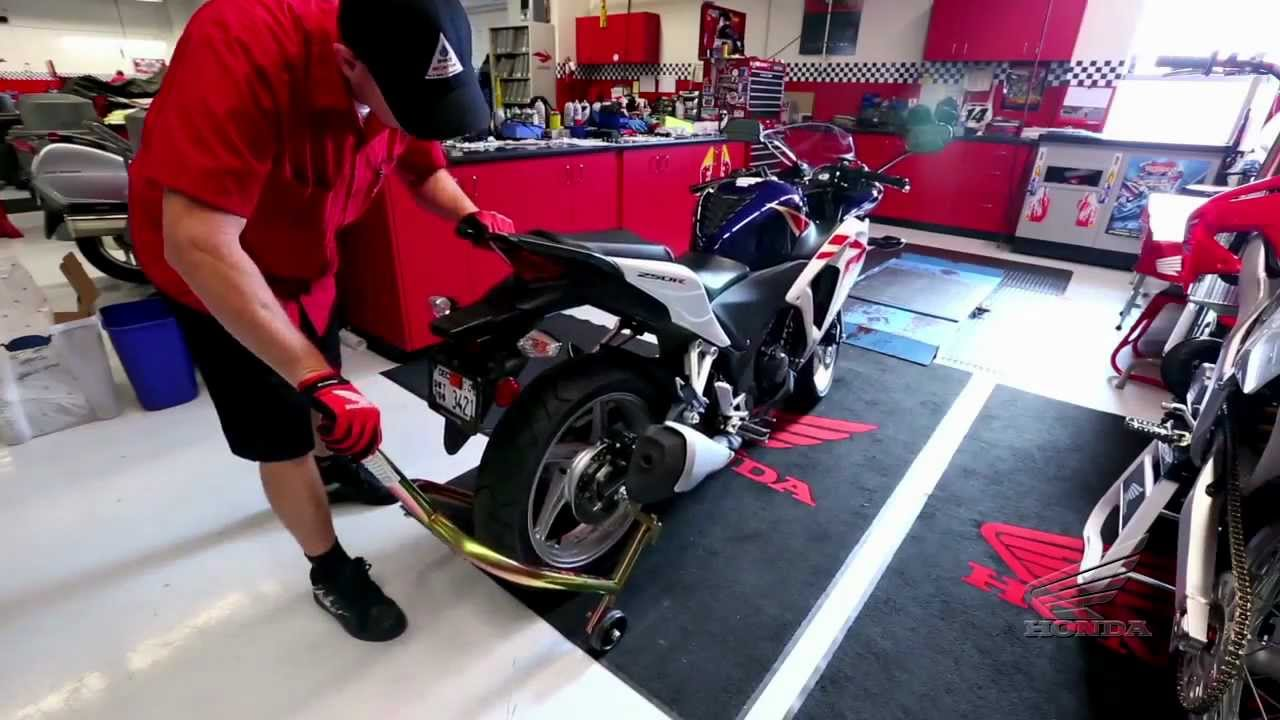 serviste motosiklet