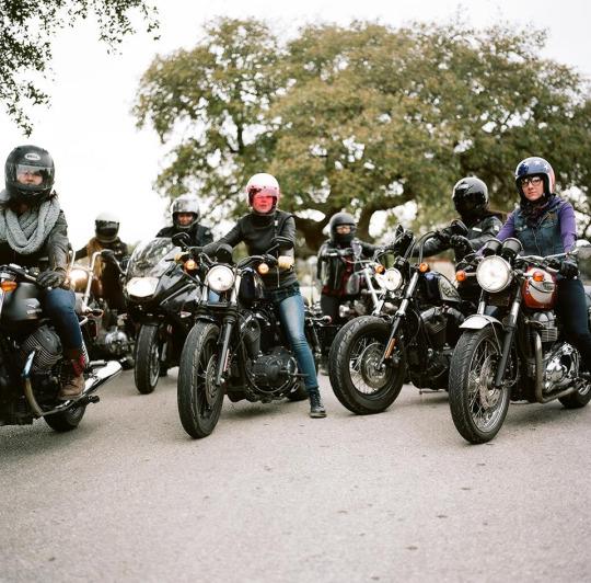 motorcu kızlar gezi