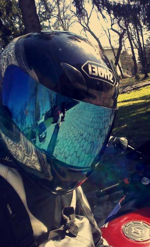 motorcu kız kask