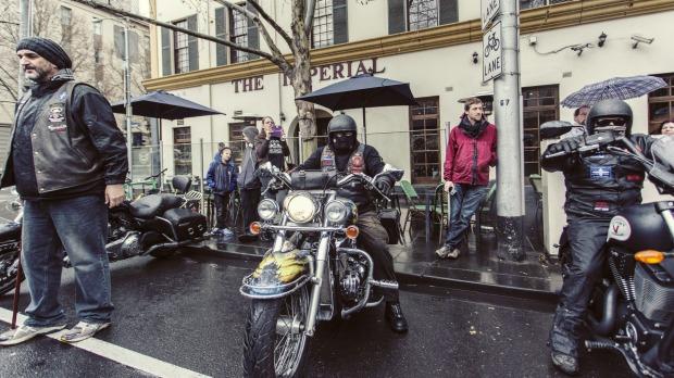 avustralya motosiklet çeteleri ayaklandı