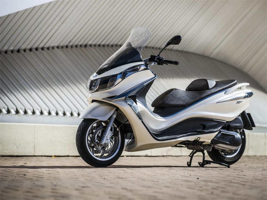 Piaggio-X10-350-Executive-Wallpapers