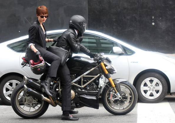 motorcu adam artçı ile
