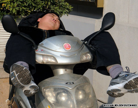 Sleeping-on-a-Motorcycle-09