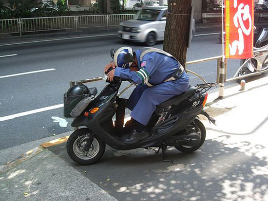 Sleeping-on-a-Motorcycle-11