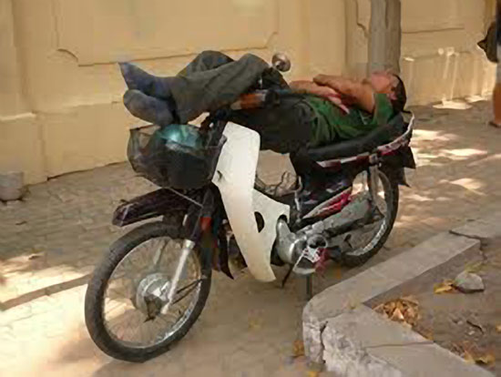 Sleeping-on-a-Motorcycle-12