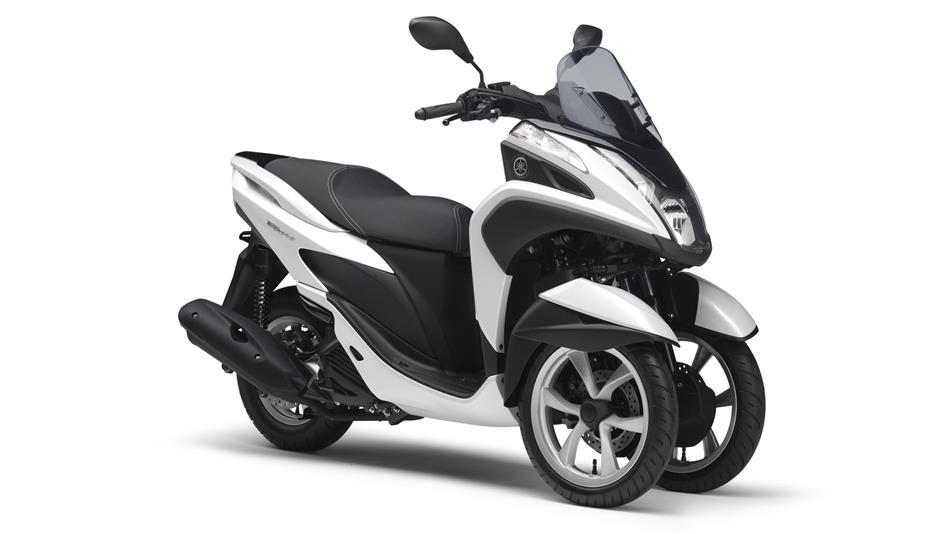 2015-Yamaha-Tricity-EU-Competition-White-Studio-001