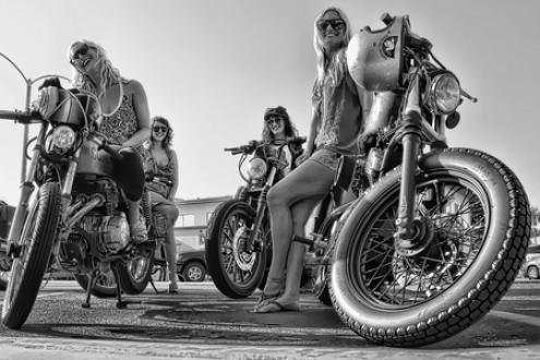 Crazyoil-Biker-Babes