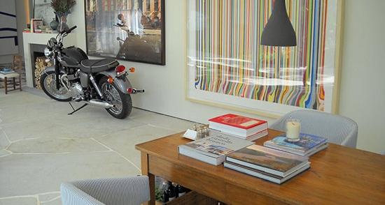Triumph-Motorcycle-Decoration-Casa-Cor-2