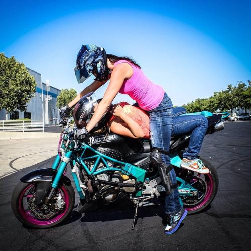 moto girl (1)