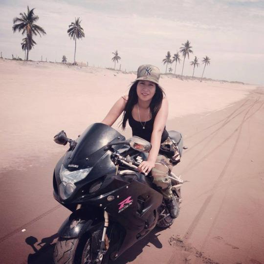 motorcu kız (1)