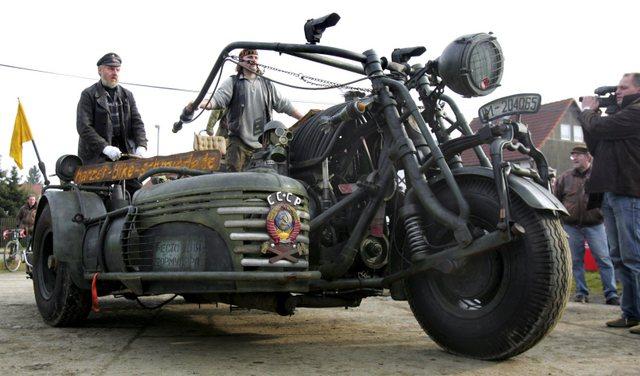 Sovyet tankından motosiklet