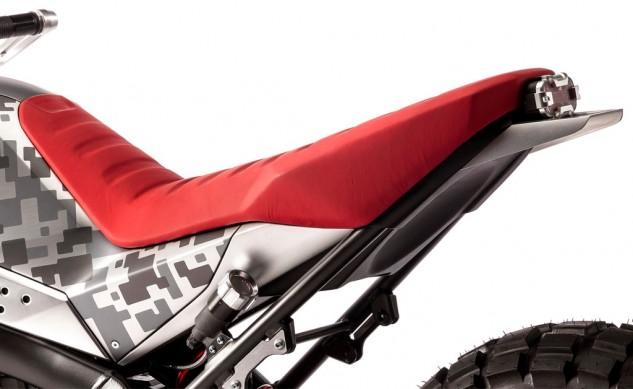 111815-honda-CBSix50_Concept-seat-tail-detail-633x389