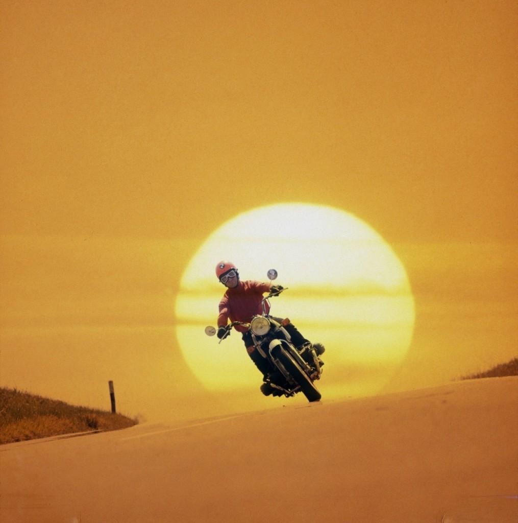 motosiklet ve gunes