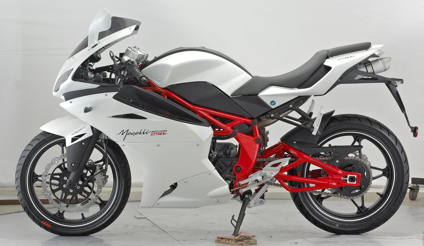 Megelli - Sport 250 R (3)