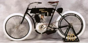 1905_Harley-Davidson1-300x148