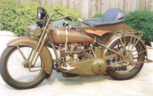 1925_Harley-Davidson_JD_with_Sidecar_Left-Front-300x189