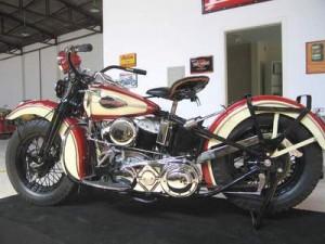1945Harley-Davidson_Flathead_UL-bBut-300x225