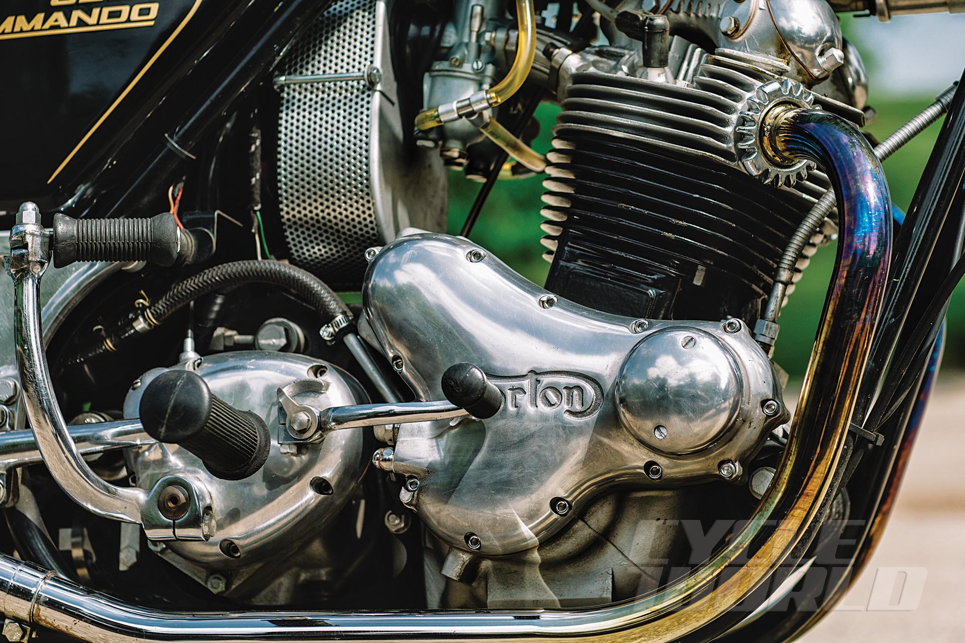 Norton-Commando-engine-V1