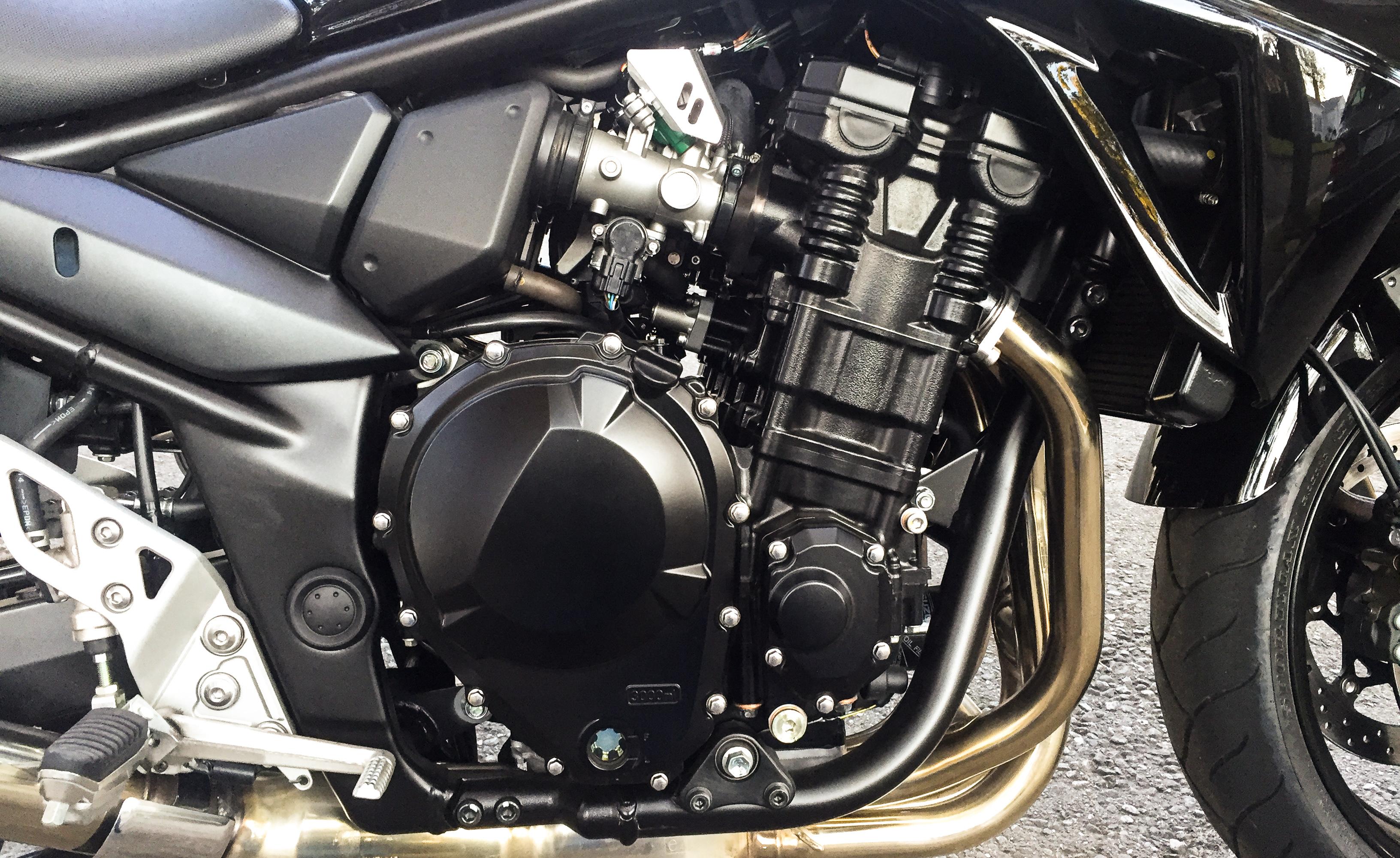 Suzuki-Bandit-1250S-6065