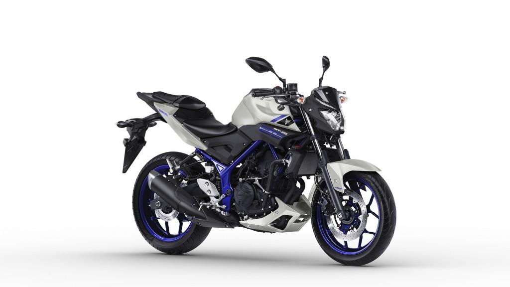 2016-Yamaha-MT250-EU-Race-Blu-Studio-001