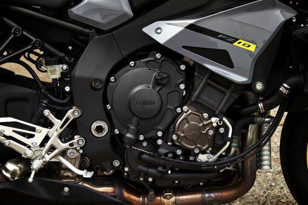 2017 Yamaha FZ-10 (4)