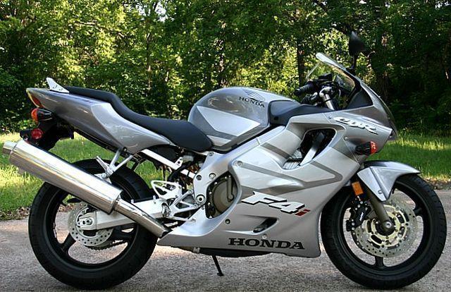 CBR 600F (2000-2007) 1
