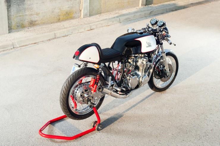 Honda-CB550-Cafe-Racer-6-740x492