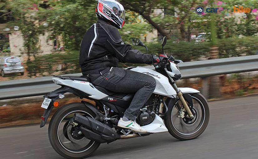 tvs-apache-rtr-200-4v-rear-review_827x510_61464611215