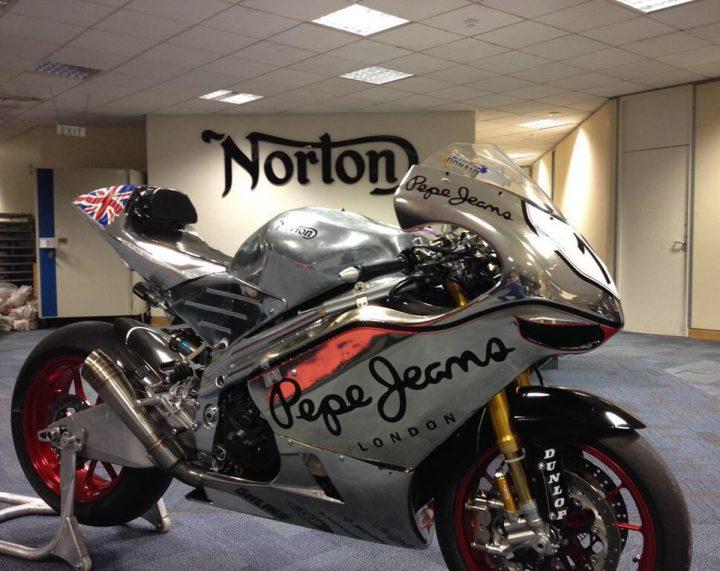 Norton-SG4-Superbike-Isle-of-Man-TT