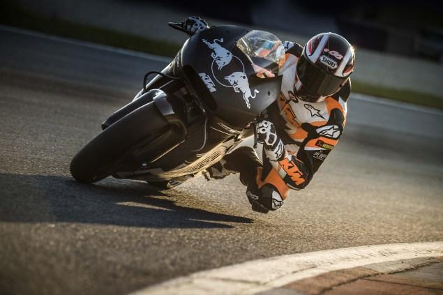 2017-ktm-rc16-motogp-official-test-01